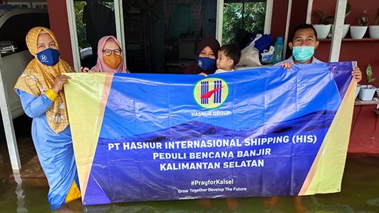 PT Hasnur Internasional Shipping Beri Bantuan Banjir